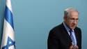 Benjamin Netanyahu a justifié lors d'une allocution télévisée mercredi soir l'intervention de la marine israélienne contre la flottille de militants pro-palestiniens qui tentait en début de semaine de rompre le blocus de la bande de Gaza. /Photo prise le