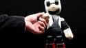 Kirobo, un mini-robot qui parle japonais et est doté de fonctionnalités de reconnaissance de la voix et des visages. Ce mini-robot parlant a décollé du Japon dimanche à bord d'un vaisseau spatial non habité avec plusieurs tonnes d'équipements pour rejoind