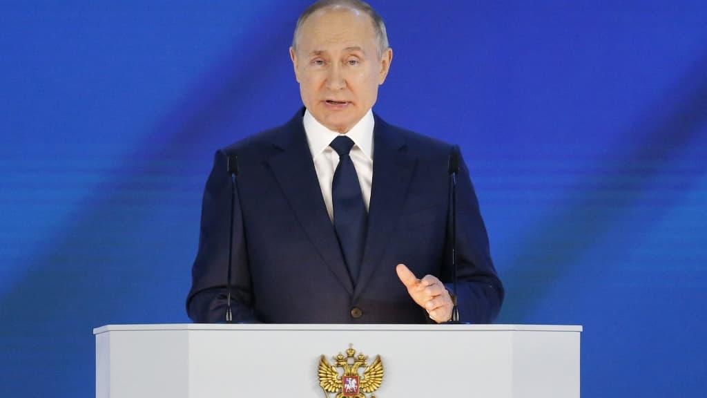 Poutine met en garde les pays rivaux à ne pas «franchir de ligne rouge»