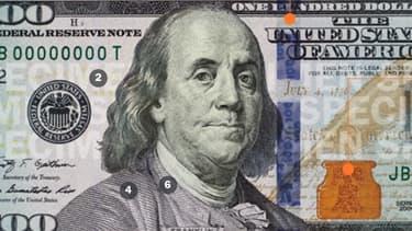 Le nouveau billet de 100 dollars est truffé de dispostifs pour décourager les faux monnayeurs.