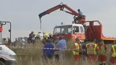 Plus de 200 mineurs sont pris au piège dans une mine d'or illégale, à l'est de Johannesburg, en Afrique du Sud.