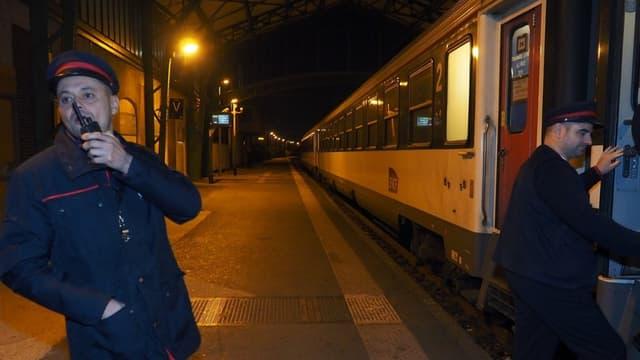 """La SNCF prévoit notamment que """"l'occupation des compartiments couchettes sera limitée à quatre voyageurs (au lieu de six habituellement dans les voitures de seconde classe)"""""""