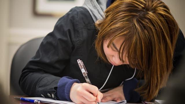 Au moment de rédiger son CV, les étudiants ne doivent pas passer sous silence les petits boulots qu'ils ont exercés pour payer leurs études.