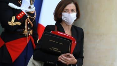 La ministre de la Défense Florence Parly sur le perron de l'Elysée, le 26 août 2020 à Paris