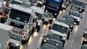 Le Parlement européen estime que les chauffeurs routiers indépendants doivent être soumis aux mêmes règles relatives au temps de travail que les chauffeurs salariés. Les députés ont ainsi rejeté un projet de directive de la Commission européenne qui les a