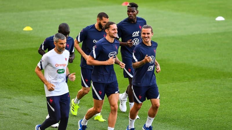 FOOTBALL CHAMPIONNAT D'EUROPE  2021 - Page 8 Rabiot-et-Griezmann-a-l-entrainement-1055286