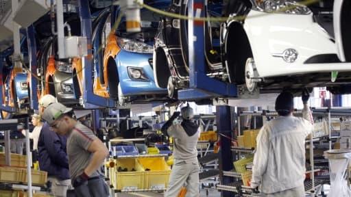 La direction de PSA assure que la fermeture d'une ligne de production à Poissy sera sans impact sur la main d'oeuvre.