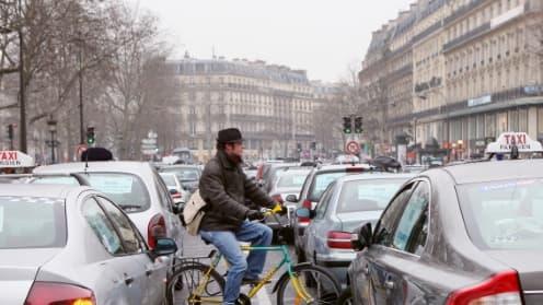 Le conflit entre les VTC et les taxis est loin d'être fini.
