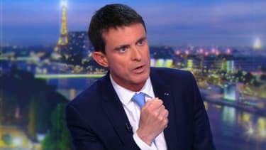 Manuel Valls sur le plateau de TF1