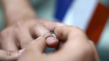 Mariage gay: une majorité de Français ne veut pas d'une abrogation