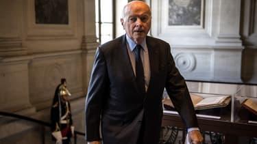 Le Défenseur des droits, Jacques Toubon, s'inquiète des discriminations fondées sur l'apparence physique dans le monde du travail.