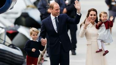 Kate et William, accompagnés de leurs enfants, George et Charlotte, au Canada, le 1er octobre 2016