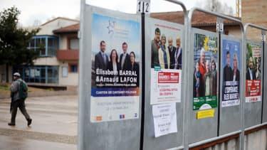 Affiches de campagne pour les départementales au Castanet-Tolosan, en Haute-Garonne (Photo d'illustration)