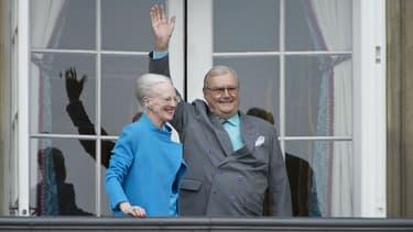 Le prince Henrik et la reine Margrethe au balcon de Amalienborh Palace à Copenhague, le 16 avril 2016