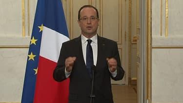 François Hollande à l'Elysée après la sortie du conseil des ministres le 3 avril 2013.