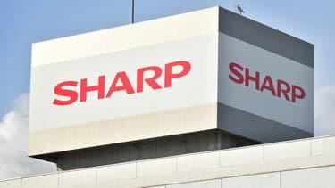 Le conseil d'administration de Sharp a marqué une préférence pour l'offre de sauvetage proposée par le groupe taïwanais Hon Hai/Foxconn, mais ne s'est pas prononcé définitivement en ce sens.
