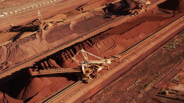 L'Australie, premier exportateur de matières premières pour l'Asie de minerai de fer, cuivre..., doit composer avec des cours qui n'en finissent pas de baisser.