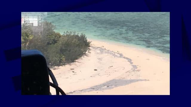Les naufragés avaient inscrit SOS sur la plage