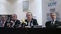 Jean-Pierre Louvel (au centre, président de l'UCPF, et Frédéric Thiriez (à droite), préident de la Ligue de football professionnel, ce jeudi.