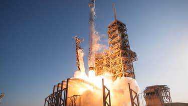 Space X est autorisé à lancer son projet Starlink de déploiement d'une constellation de microsatellites (4425) en orbite basse. (Photo d'illustration)