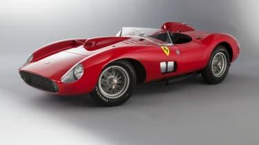 Adjugée pour 32 millions d'euros en février dernier, cette Ferrari 335 Sport Scaglietti de 1957 est la voiture de collection la plus chère du monde.