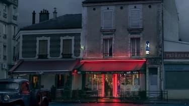 """""""C'est l'objet-café qui m'a tout de suite intéressé et avec lui, l'idée de sublimer quelque chose de très banal, de quotidien.""""(Ici, Le Madrigale, à Saint-Denis)"""