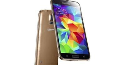 Le dernier-né de Samsung: le Galaxy S5, concurrent direct de l'iPhone 6 d'Apple.