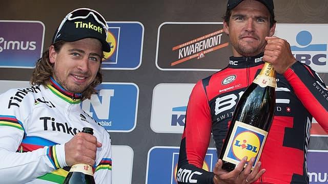 Greg Van Avermaet (à droite) devance encore Peter Sagan