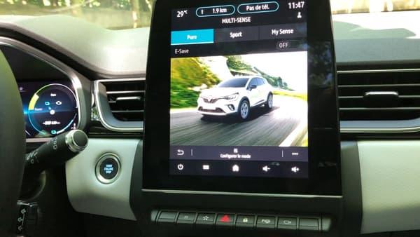 Trois modes permettent d'opter pour une conduite 100% électrique (Pure), de tirer le meilleur du moteur hybride (Sport) ou de rouler selon ses paramètres personnalisés (My Sense).