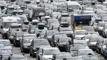 Le marché automobile accélère moins rapidement en avril.
