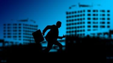 La rupture conventionnelle permet au salarié de partir rapidement de son entreprise en ayant l'assurance de toucher des allocations chômage.