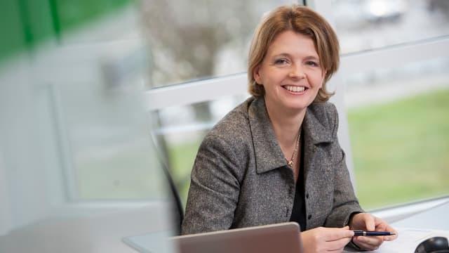 Entrée en 2011 chez Europcar, Caroline Parot a d'abord été la directrice financière du groupe avant d'être nommée directrice générale en octobre 2016 puis Présidente du directoire le 25 novembre suivant.