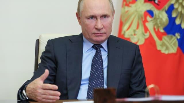 Le président russe Vladimir Poutine, le 4 octobre 2021 à Novo-Ogaryovo, près de Moscou
