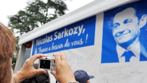 Les sympathisants UMP ont appelé au retour de Nicolas Sarkozy début juillet à la Ferté-Imbault