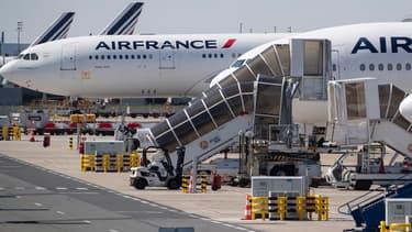 """Le plan de soutien à la filière aéronautique représente """"un effort total de 15 milliards d'euros de la nation"""", annonce Bruno Le Maire"""