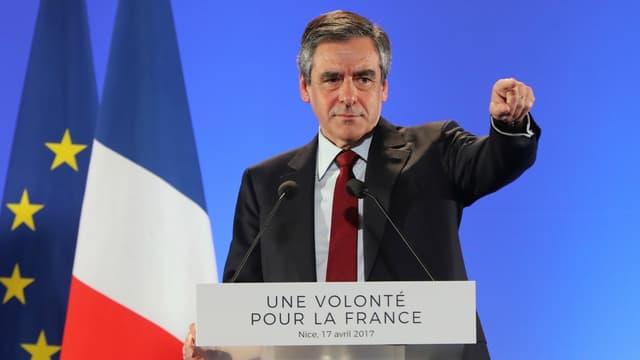 François Fillon lors de son meeting à Nice, le 17 avril 2017.
