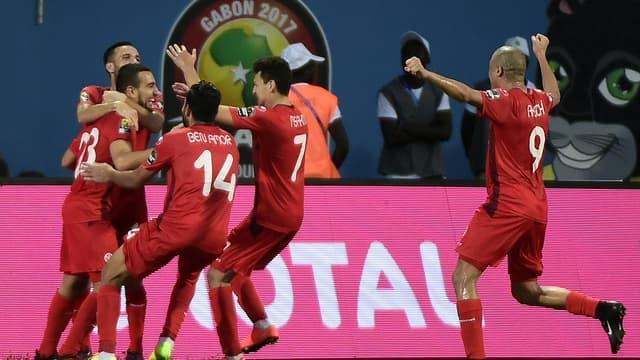 La joie des Tunisiens après le but de Naim Sliti