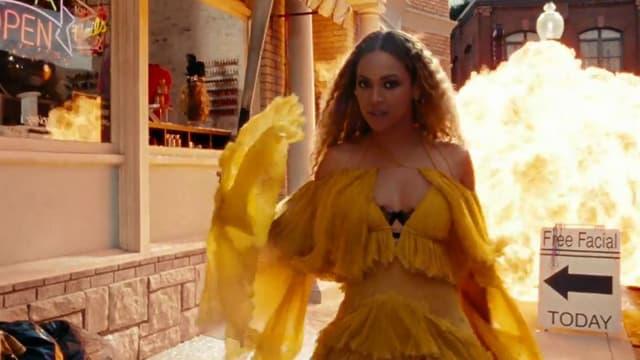 "Beyoncé sort son nouvel album, ""Lemonade"""