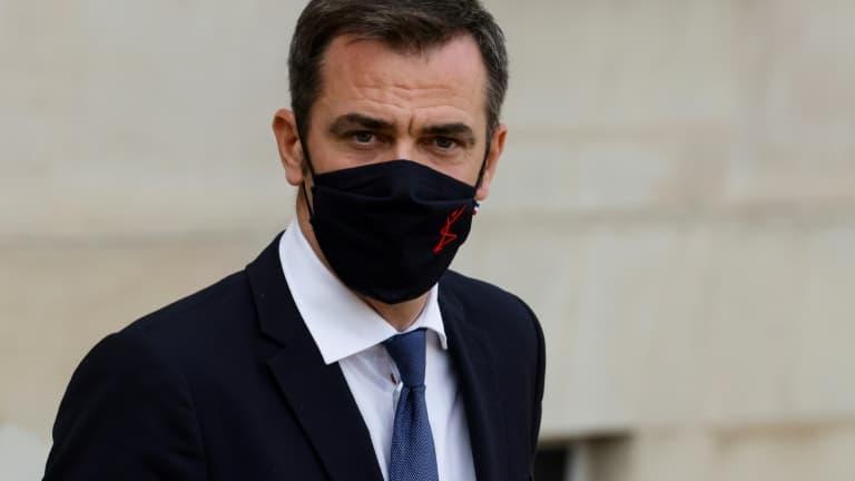 """Olivier Véran assure que le million de vaccinés sera """"largement"""" atteint d'ici fin janvier"""