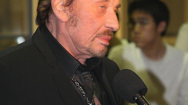 Le chanteur choisit Saint-Tropez comme cible de transactions