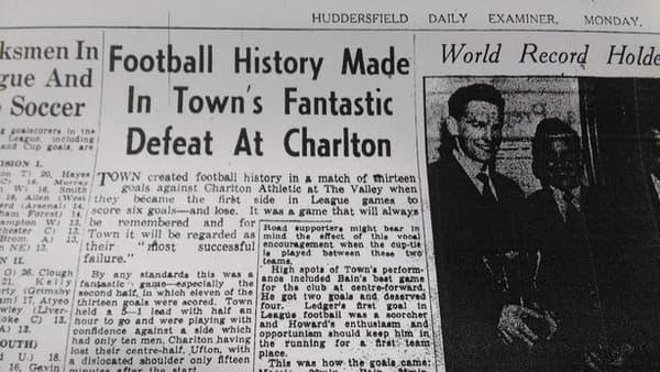 Le compte-rendu du match Charlton-Huddersfield de décembre 1957 dans le Huddersfield Daily Examiner