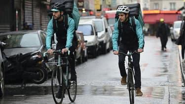 """Les livreurs à vélo de Nantes, Limoges ou encore Besançon ont annoncé sur les réseaux sociaux participer au """"mouvement de grève nationale"""" ce samedi soir."""