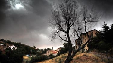 136.000 foyers toujours privés d'électricité en Nouvelle-Aquitaine à cause des orages violents