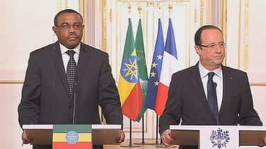 François Hollande et son homologue camerounais Paul Biya