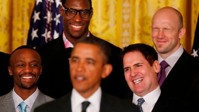 Ian Mahinmi juste derrière Barack Obama