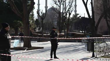 La police turque a arrêté un suspect en lien avec l'attentat suicide qui a tué mardi 10 personnes, dont au moins huit touristes allemands, dans le coeur historique d'Istanbul - Mercredi 13 janvier 2016