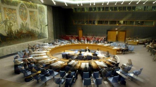 Le Conseil de sécurité des Nations unies se réunit ce vendredi à huis clos pour discuter du dossier syrien. Un projet de résolution prévoyant la mise à l'écart du président Bachar al Assad, mis au point par des pays occidentaux et arabes mais d'ores et dé