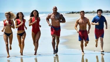"""Zac Efron et Dwayne Johnson dans """"Baywatch"""", adaptation au cinéma de la série """"Alerte à Malibu"""""""