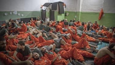 Détenus suspectés d'être affiliés à Daesh dans la prison syrienne d'Hasakeh, le 26 octobre 2019