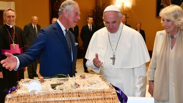 Le prince Charles et son épouse Camilla reçus par le Pape au Vatican, le 4 avril 2017